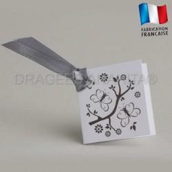 Etiquette à dragées de couleur grise thème papillon
