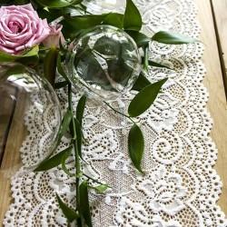 Chemin de table dentelle blanche pour mariage vintage