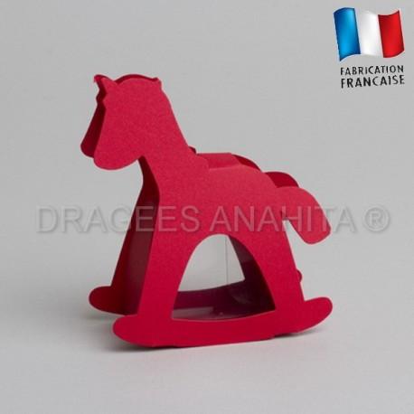 dragées baptême cheval rouge