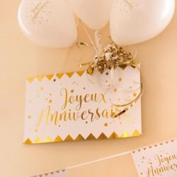 Pancarte Joyeux Anniversaire blanche et or pour bien annoncer l'événement