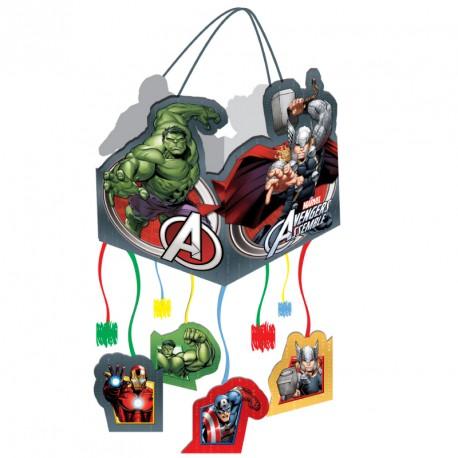 Optez pour la Pinata Avengers pour une animation réussie lors d'une fête d'anniversaire.
