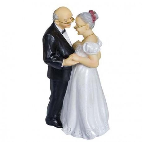 Couple de vieux mariés danse